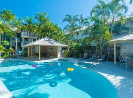 Noosa Outrigger Beach Resort, serviced apartment in Noosaville
