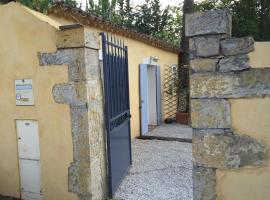 Charmant Studio Brignoles, hôtel à Brignoles