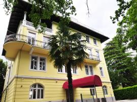 Hotel Villa Laurel, pet-friendly hotel in Lovran