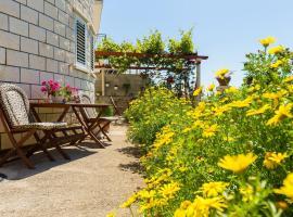 Sunshine Apartments, room in Dubrovnik