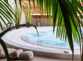 Best Western Les Bains Hotel et SPA, hôtel à Perros-Guirec