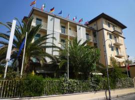 Hotel Riva, hotel in Marina di Pietrasanta