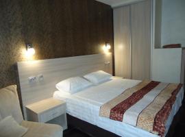 Planeta Hotel, hotel in Vardane
