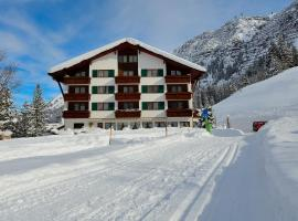 Hotel Omesberg, Hotel in Lech am Arlberg