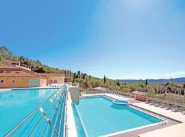 Vacancéole – Le Domaine de Camiole, hotel with jacuzzis in Callian