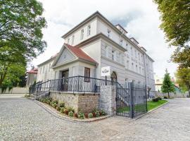Villa La Pierre, hotel near Świdnica Cathedral, Strzegom