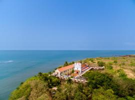 Fort Tiracol Heritage Hotel, hotel near Chapora Fort, Arambol
