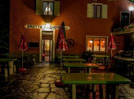 Grotto Zendralli, Hotel in Roveredo