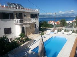 Apartments Jobst, self catering accommodation in Trogir