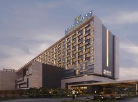 The Leela Ambience Convention Hotel Delhi, hotel in New Delhi