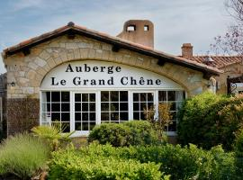 Auberge du Grand Chêne, hotel near Barbaroux Golf Course, Sillans-la Cascade