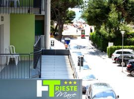 Hotel Trieste Mare, hotell i Lignano Sabbiadoro