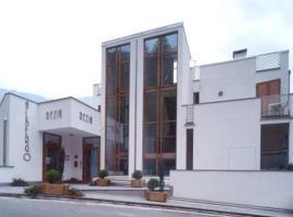 Hotel Rezia, hotel poblíž významného místa Golf Club Bormio, Sondalo