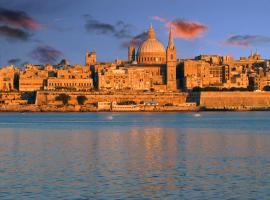 D Townhouse Boutique Suites, hotel in Sliema