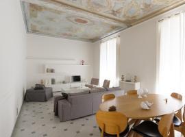 Via Chiodo Luxury Apartment, luxury hotel in La Spezia