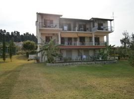 Kiparissis Apartments, apartment in Kriopigi