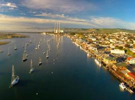 456 Embarcadero Inn & Suites, vacation rental in Morro Bay