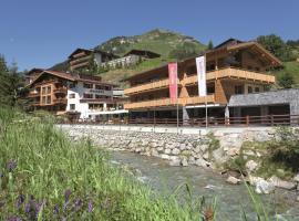 Hotel Auenhof, hotel in Lech am Arlberg