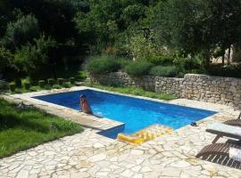 Villa Pool Mansion Salonae, hotel in Solin