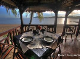 Chanty Beach Lodge, lodge in Ambaro