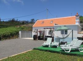 Casa Formiga, casa o chalet en Fajã da Ovelha