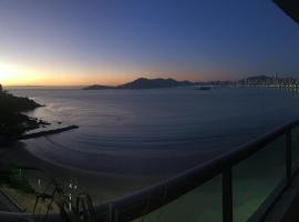 Ótimo Apartamento A Uma Quadra Do Mar, accessible hotel in Balneário Camboriú