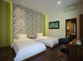 Dago Teuku Angkasa 14, hotel near Saint Boromeus Hospital, Bandung