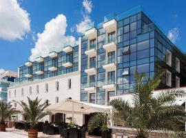 Hotel Antik, отель в Балчике