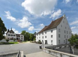 Hotel im Schlosspark, hotel in Bazel