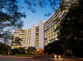 Marriott Executive Apartment - Lakeside Chalet, Mumbai, self catering accommodation in Mumbai