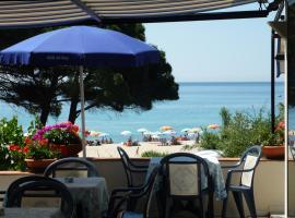 Hotel Da Italo, hotell i Seccheto