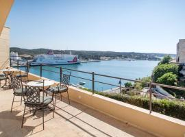 Catalonia Mirador des Port, pet-friendly hotel in Mahón