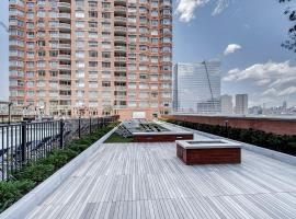 Global Luxury Suites at Newport, apartment in Jersey City