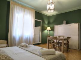 La Casetta di Lina Rooms and Apartments, alloggio in famiglia a Verona