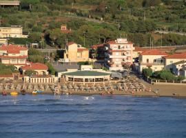 Hotel del Sole, hotell i San Vincenzo