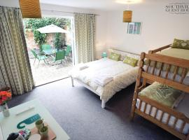 Southville Guest House, hotel near Ashton Gate Stadium, Bristol