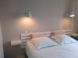 Hôtel Gwenva, hôtel à Lanester près de: Lorient Train Station