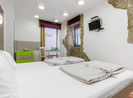 Studio Vicencin Place, room in Šibenik