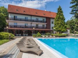 Hotel pod Lipou, hotel in Modra