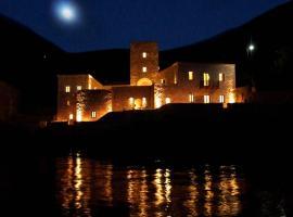 Πύργος Μαυρομιχάλη, ξενοδοχείο στο Λιμένι