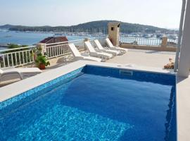 Luxury Accommodation Goles, hotel with pools in Rogoznica