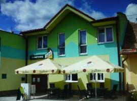 Penzion Zelený Dvor, hotel in Veľká Lomnica