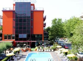 Hotel Prestigio, отель в Чезенатико