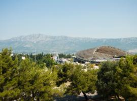 Apartment Nina, hotel in Split