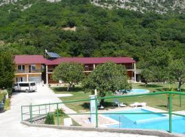 Guest House Jadran Pol, hotel in Petrovac na Moru
