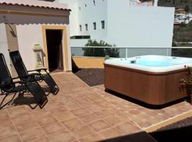 Casa Regina Tenerife, B&B in Tamaimo