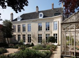 B&B De Corenbloem Luxury Guesthouse - Adults Only, hotel near Bladelin Court, Bruges
