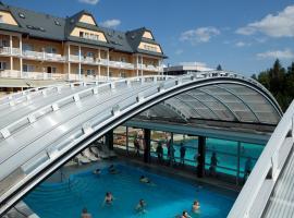 Grand Hotel Strand, hotel Felsőzúgón