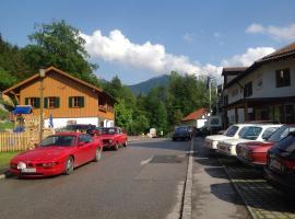 Am Berg-Ferienwohnung, ski resort in Ettal