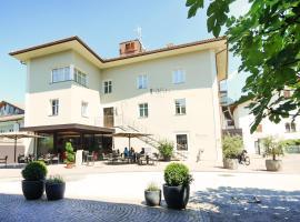 Das Alte Rathaus, hotel in Egna